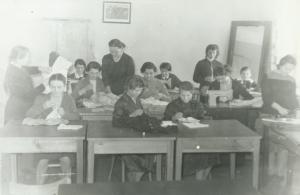 Dwuzimowa szkoła rolniczo-gospodarcza, lekcję prowadzi Maria Kwiatkowska, 1960 r.