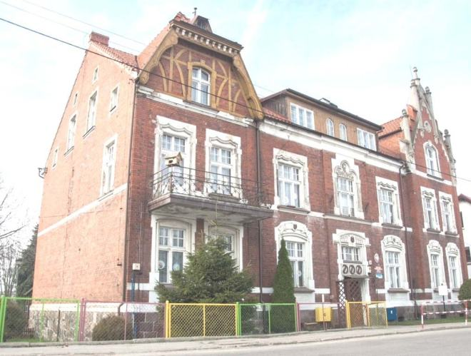 Budynek Gimnazjum Rolniczego w Szczytnie - stan obecny; fot.: Wojciech Cymerman, 31.10.2013 r.