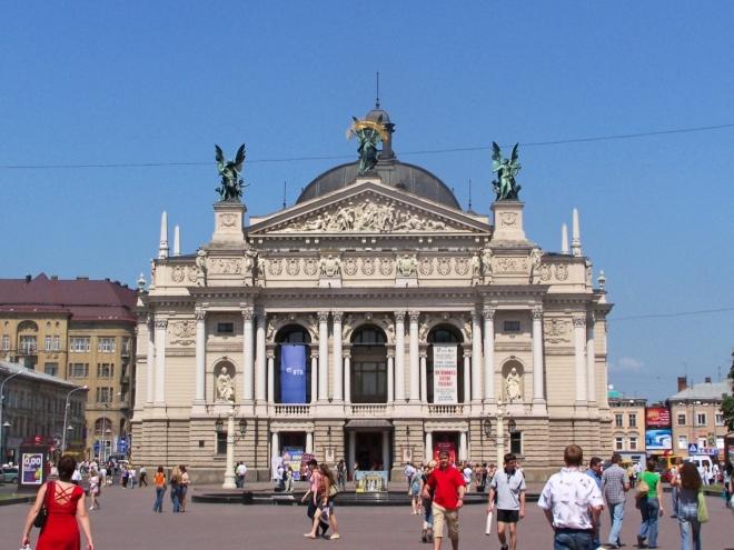 Gmach Lwowskiej Opery- miejsce, do którego tęskni do końca życia nasza bohaterka. Źródło: internet.