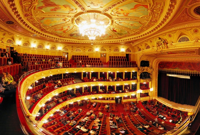 Wnętrze Opery Lwowskiej - miejsce niezapomnianych przeżyć Państwa Stefanii i Jana Martowiczów. Źródło: internet.