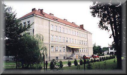 Liceum Ogólnokształcące w Kołaczycach - stan obecny. Źródło: strona internetowa w/w Szkoły.