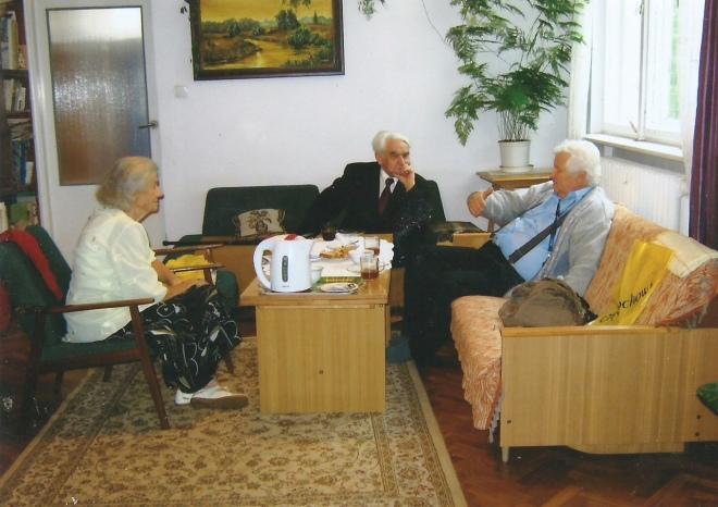 Rysiek Buła (pierwszy z prawej) w odwiedzinach w domu E. i A Zapisków, 19.07.2013