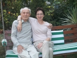 We własnym ogródku z córką Anną. Rok 2012