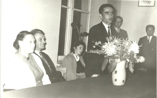 Pożegnanie odchodzącego na emeryturę p. L. Kwiatkowskiego (drugi z lewej, z żoną Ķariatkowską )